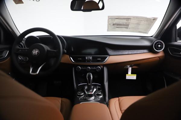 New 2021 Alfa Romeo Giulia Q4 for sale $48,535 at Maserati of Greenwich in Greenwich CT 06830 17