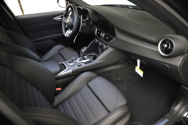 New 2021 Alfa Romeo Giulia Ti Sport Q4 for sale Sold at Maserati of Greenwich in Greenwich CT 06830 21