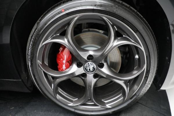 New 2021 Alfa Romeo Giulia Ti Sport Q4 for sale $54,050 at Maserati of Greenwich in Greenwich CT 06830 24
