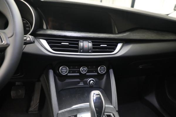 New 2021 Alfa Romeo Stelvio Q4 for sale $50,445 at Maserati of Greenwich in Greenwich CT 06830 18