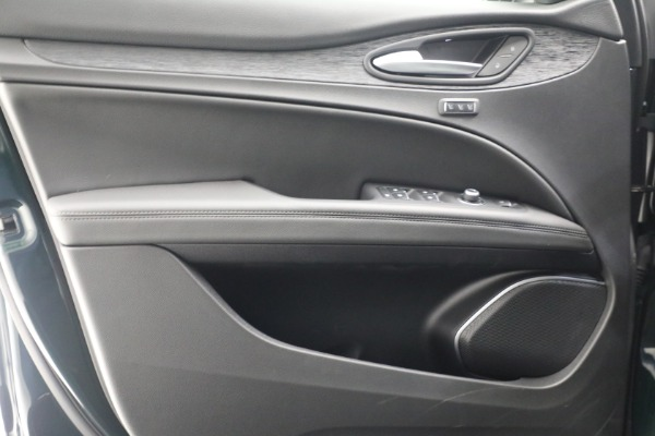 New 2021 Alfa Romeo Stelvio Q4 for sale $50,445 at Maserati of Greenwich in Greenwich CT 06830 20