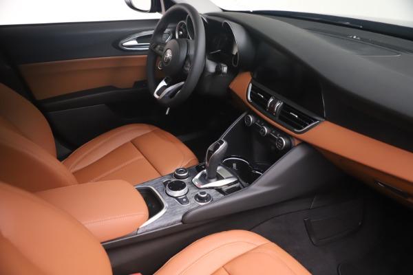 New 2021 Alfa Romeo Giulia Q4 for sale Sold at Maserati of Greenwich in Greenwich CT 06830 18