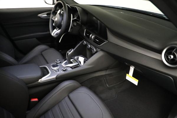 New 2021 Alfa Romeo Giulia Ti Sport Q4 for sale $53,050 at Maserati of Greenwich in Greenwich CT 06830 17