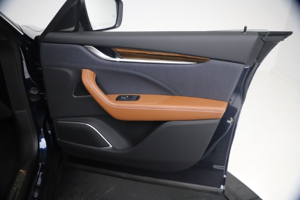 New 2021 Maserati Levante Q4 GranLusso for sale $93,385 at Maserati of Greenwich in Greenwich CT 06830 23