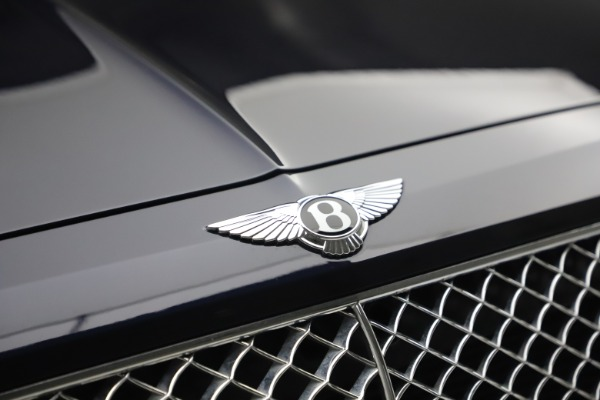 Used 2018 Bentley Bentayga W12 Signature for sale $149,900 at Maserati of Greenwich in Greenwich CT 06830 14