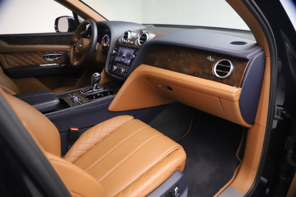 Used 2018 Bentley Bentayga W12 Signature for sale $149,900 at Maserati of Greenwich in Greenwich CT 06830 25