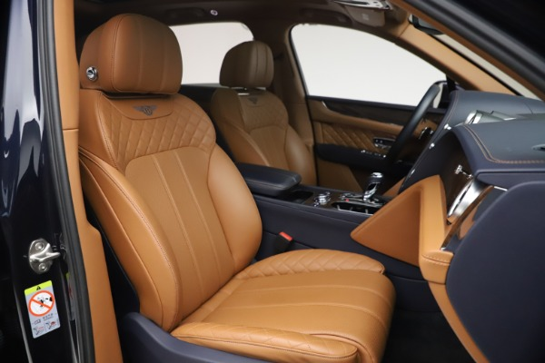 Used 2018 Bentley Bentayga W12 Signature for sale $149,900 at Maserati of Greenwich in Greenwich CT 06830 27