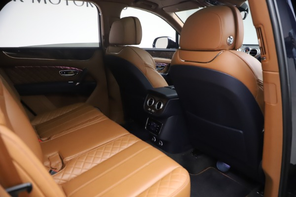 Used 2018 Bentley Bentayga W12 Signature for sale $149,900 at Maserati of Greenwich in Greenwich CT 06830 28