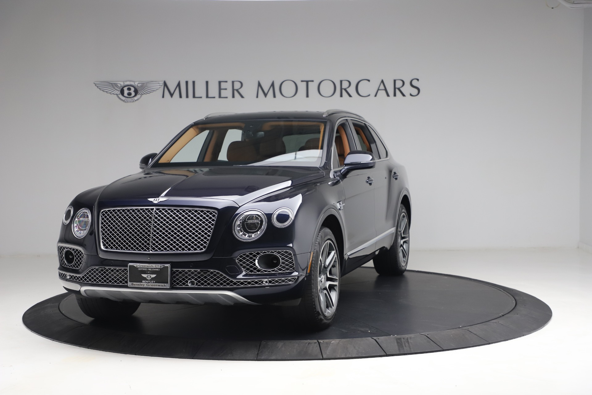 Used 2018 Bentley Bentayga W12 Signature for sale $149,900 at Maserati of Greenwich in Greenwich CT 06830 1