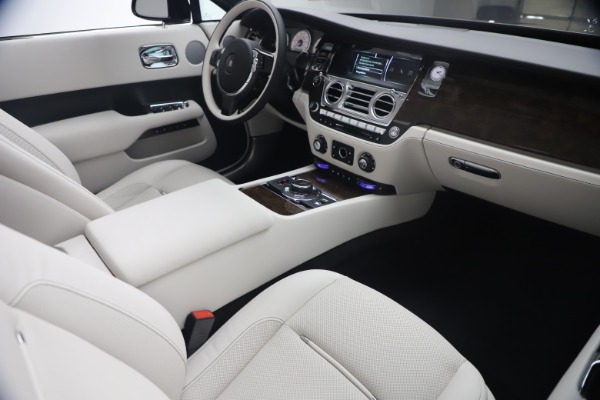 New 2021 Rolls-Royce Dawn for sale Call for price at Maserati of Greenwich in Greenwich CT 06830 28