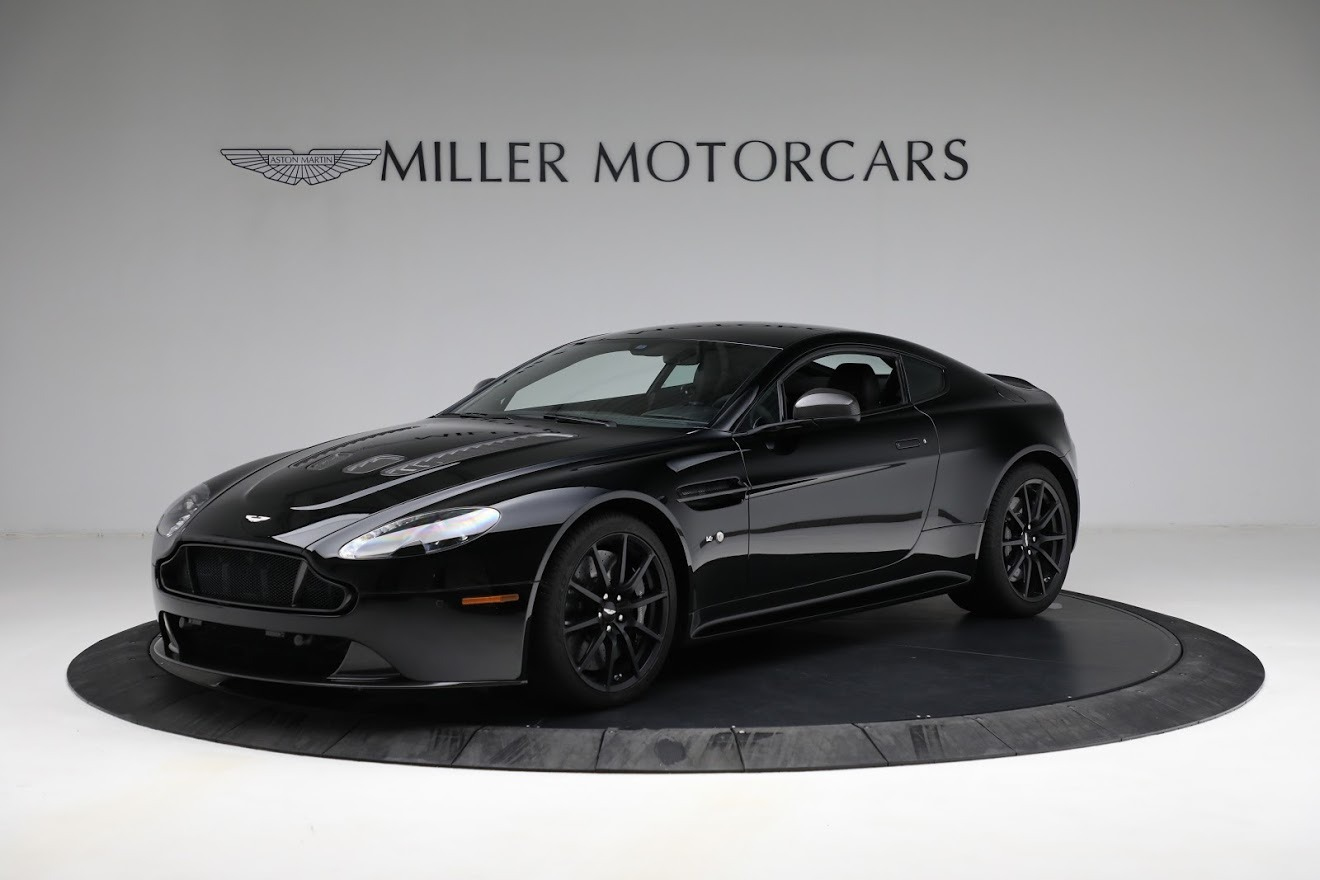 Used 2015 Aston Martin V12 Vantage S for sale $119,900 at Maserati of Greenwich in Greenwich CT 06830 1