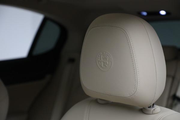 New 2021 Alfa Romeo Stelvio Ti Q4 for sale $55,205 at Maserati of Greenwich in Greenwich CT 06830 16