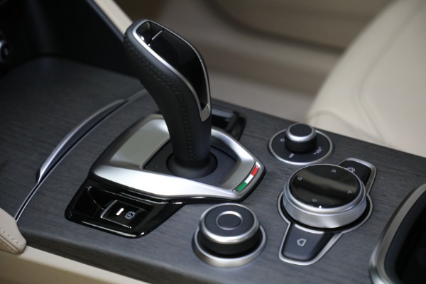 New 2021 Alfa Romeo Stelvio Ti Q4 for sale $57,400 at Maserati of Greenwich in Greenwich CT 06830 20