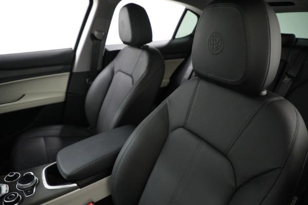 New 2021 Alfa Romeo Stelvio Ti Q4 for sale $54,400 at Maserati of Greenwich in Greenwich CT 06830 16