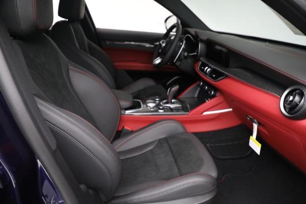 New 2021 Alfa Romeo Stelvio Quadrifoglio for sale $88,550 at Maserati of Greenwich in Greenwich CT 06830 21