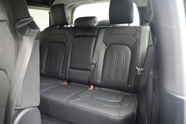 Used 2021 Land Rover Defender 90 First Edition for sale $69,900 at Maserati of Greenwich in Greenwich CT 06830 19