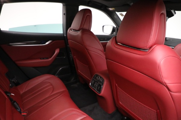 Used 2018 Maserati Levante GranSport for sale $59,900 at Maserati of Greenwich in Greenwich CT 06830 14