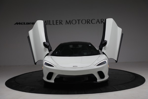 New 2021 McLaren GT Luxe for sale $217,205 at Maserati of Greenwich in Greenwich CT 06830 13