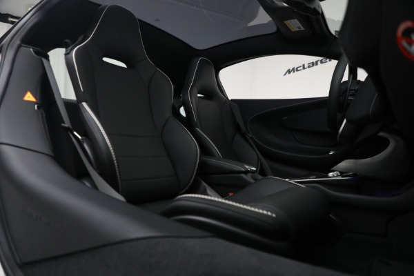 New 2021 McLaren GT Luxe for sale $217,205 at Maserati of Greenwich in Greenwich CT 06830 23