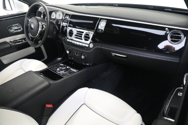 Used 2017 Rolls-Royce Ghost for sale $219,900 at Maserati of Greenwich in Greenwich CT 06830 12