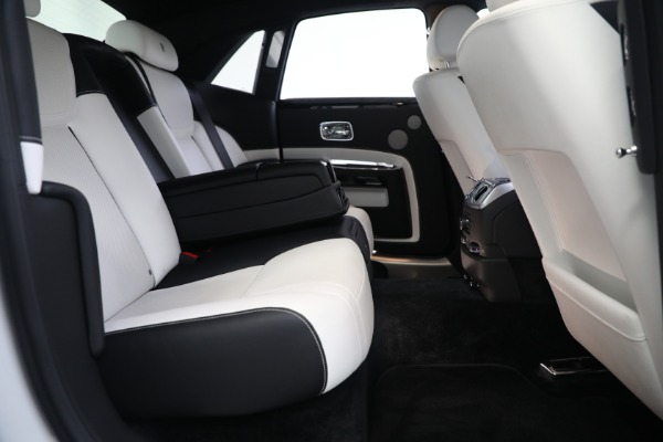 Used 2017 Rolls-Royce Ghost for sale $219,900 at Maserati of Greenwich in Greenwich CT 06830 24