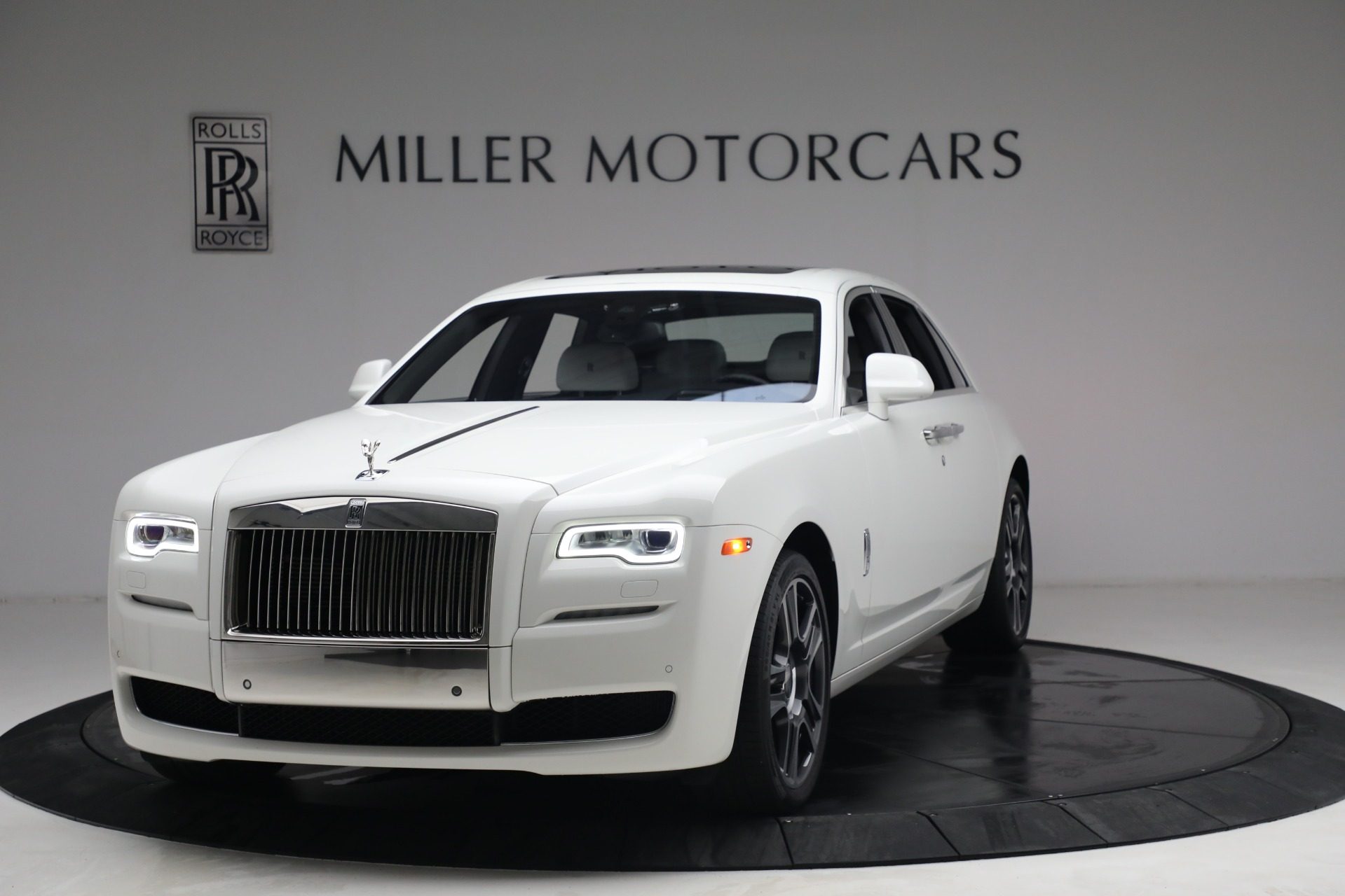 Used 2017 Rolls-Royce Ghost for sale $219,900 at Maserati of Greenwich in Greenwich CT 06830 1