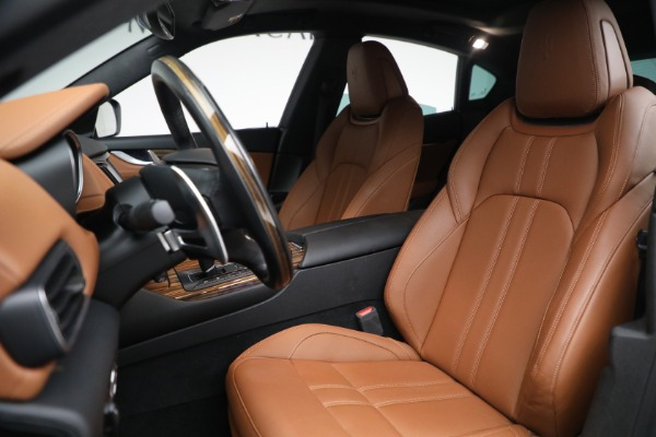 Used 2018 Maserati Levante GranSport for sale Sold at Maserati of Greenwich in Greenwich CT 06830 15