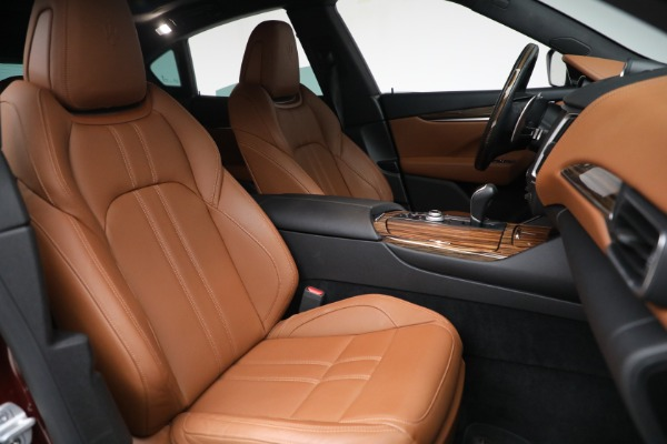 Used 2018 Maserati Levante GranSport for sale Sold at Maserati of Greenwich in Greenwich CT 06830 27