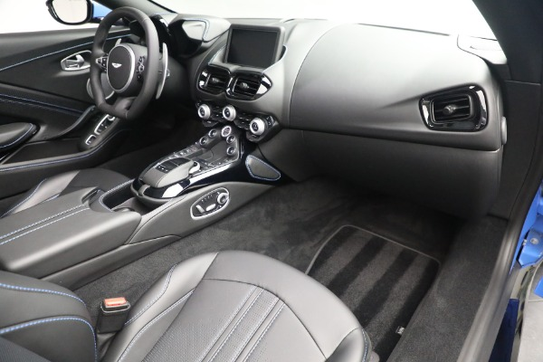 New 2021 Aston Martin Vantage Roadster for sale $186,386 at Maserati of Greenwich in Greenwich CT 06830 23