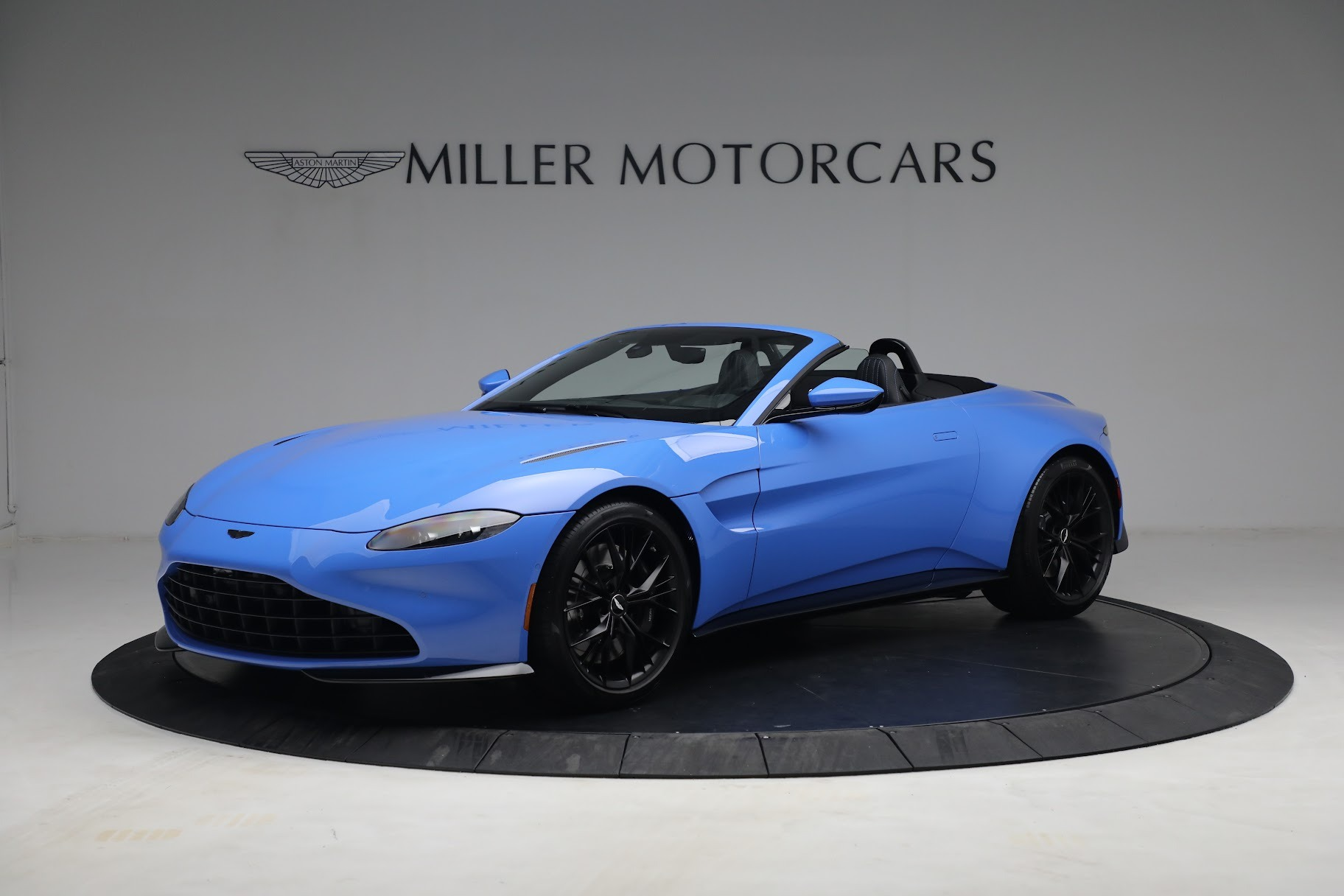 New 2021 Aston Martin Vantage Roadster for sale $186,386 at Maserati of Greenwich in Greenwich CT 06830 1