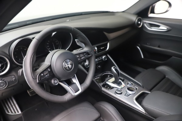 New 2022 Alfa Romeo Giulia Veloce for sale $52,845 at Maserati of Greenwich in Greenwich CT 06830 13