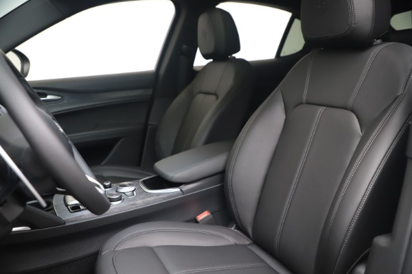 New 2022 Alfa Romeo Stelvio Sprint for sale $52,305 at Maserati of Greenwich in Greenwich CT 06830 15