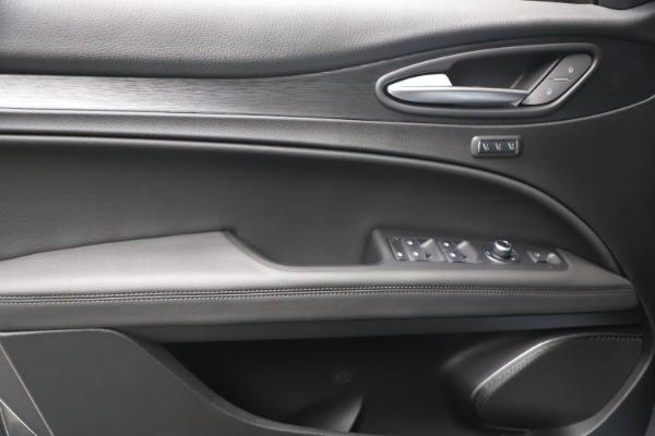 New 2022 Alfa Romeo Stelvio Sprint for sale $52,305 at Maserati of Greenwich in Greenwich CT 06830 16