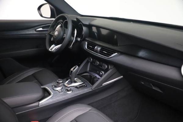 New 2022 Alfa Romeo Stelvio Sprint for sale $52,305 at Maserati of Greenwich in Greenwich CT 06830 18