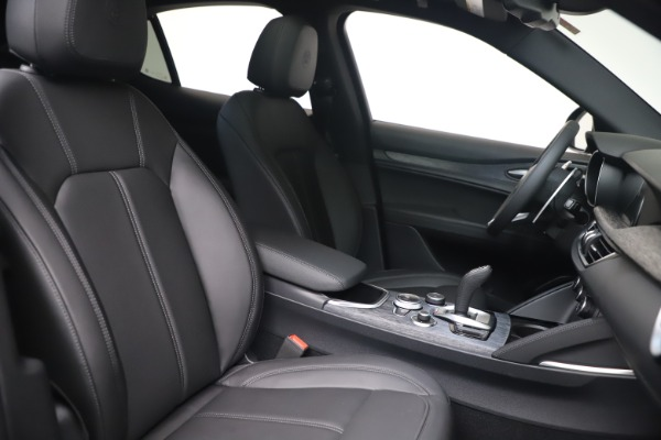 New 2022 Alfa Romeo Stelvio Sprint for sale $52,305 at Maserati of Greenwich in Greenwich CT 06830 20