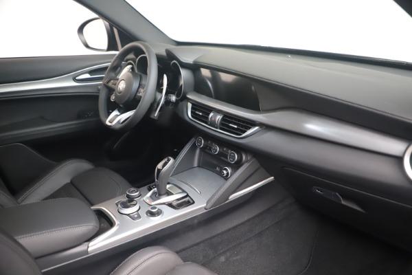 New 2022 Alfa Romeo Stelvio Veloce for sale Sold at Maserati of Greenwich in Greenwich CT 06830 18