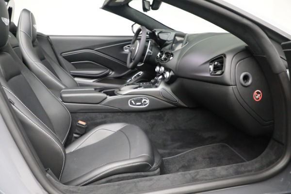 New 2021 Aston Martin Vantage Roadster for sale $180,286 at Maserati of Greenwich in Greenwich CT 06830 19