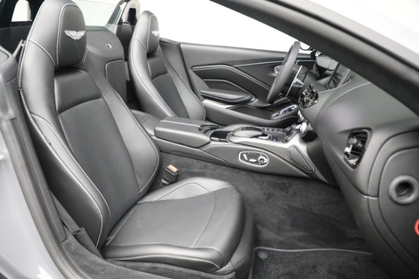 New 2021 Aston Martin Vantage Roadster for sale $180,286 at Maserati of Greenwich in Greenwich CT 06830 20