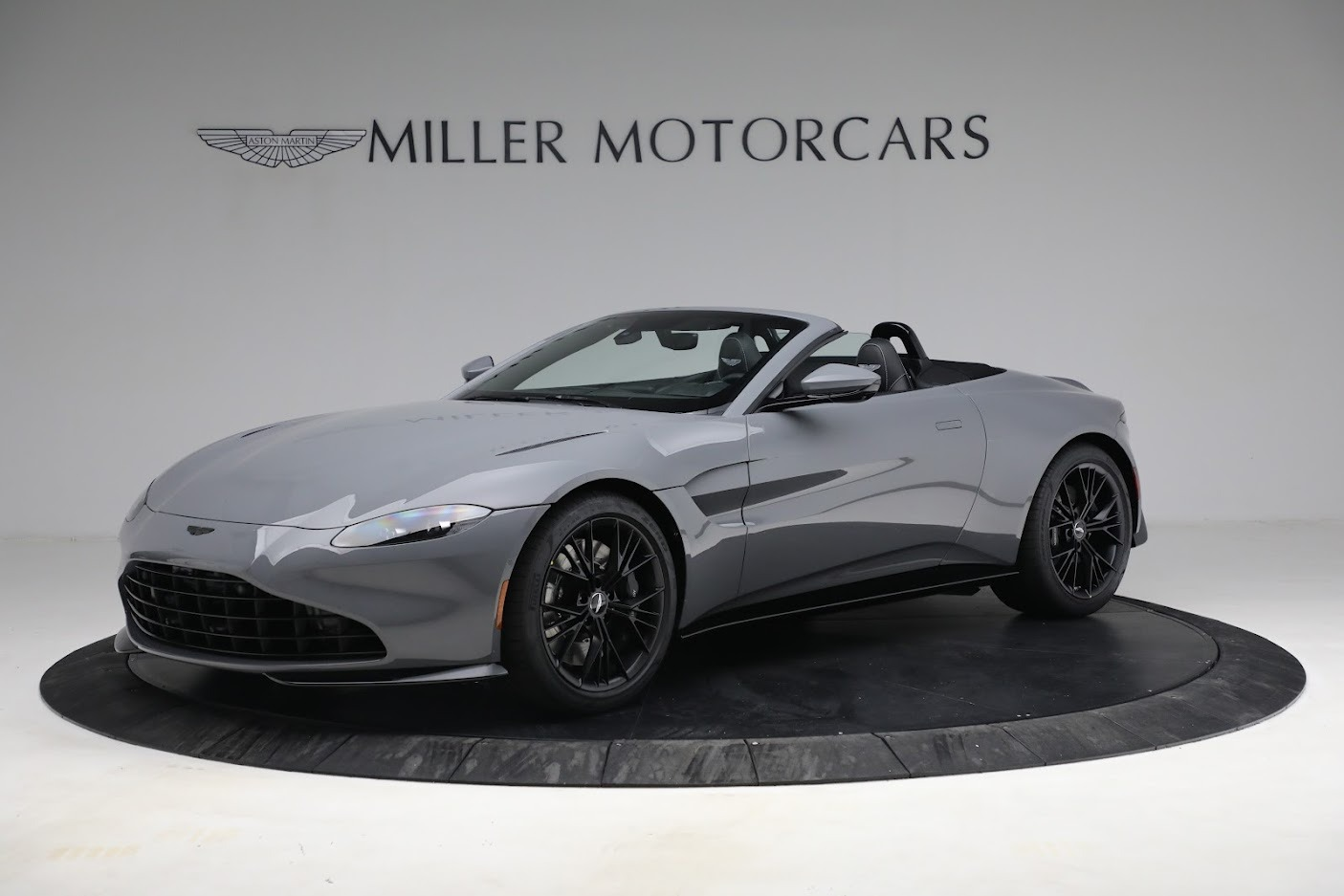 New 2021 Aston Martin Vantage Roadster for sale $180,286 at Maserati of Greenwich in Greenwich CT 06830 1