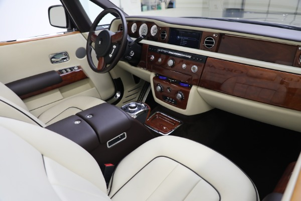 Used 2015 Rolls-Royce Phantom Drophead Coupe for sale Call for price at Maserati of Greenwich in Greenwich CT 06830 28