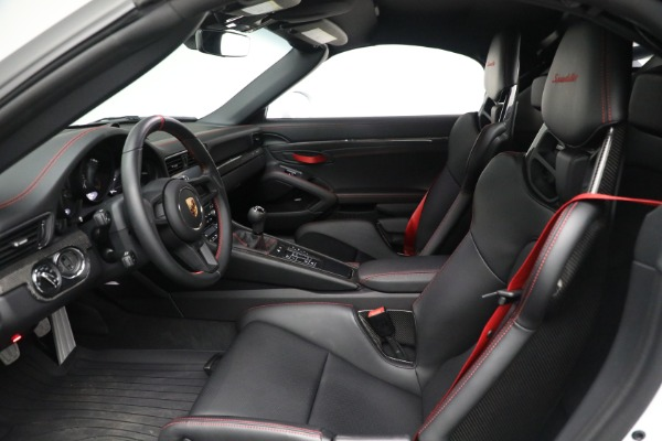 Used 2019 Porsche 911 Speedster for sale $395,900 at Maserati of Greenwich in Greenwich CT 06830 20