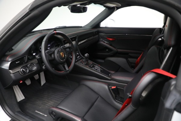 Used 2019 Porsche 911 Speedster for sale $395,900 at Maserati of Greenwich in Greenwich CT 06830 22