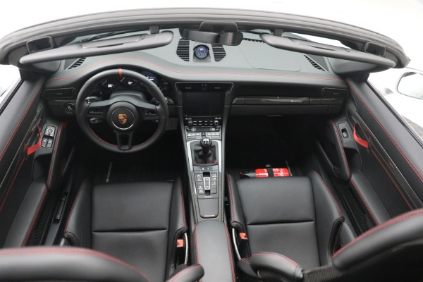 Used 2019 Porsche 911 Speedster for sale $395,900 at Maserati of Greenwich in Greenwich CT 06830 23