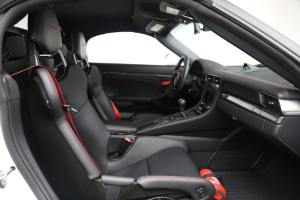 Used 2019 Porsche 911 Speedster for sale $395,900 at Maserati of Greenwich in Greenwich CT 06830 27