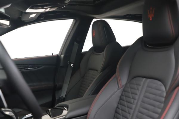 New 2022 Maserati Quattroporte Modena Q4 for sale $128,775 at Maserati of Greenwich in Greenwich CT 06830 14