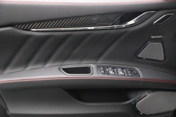 New 2022 Maserati Quattroporte Modena Q4 for sale $128,775 at Maserati of Greenwich in Greenwich CT 06830 15