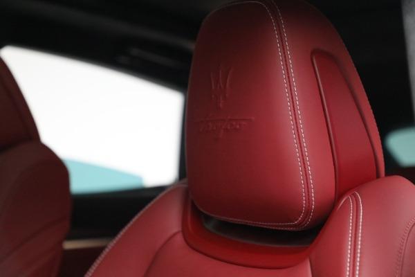 New 2022 Maserati Levante Trofeo for sale $155,045 at Maserati of Greenwich in Greenwich CT 06830 16