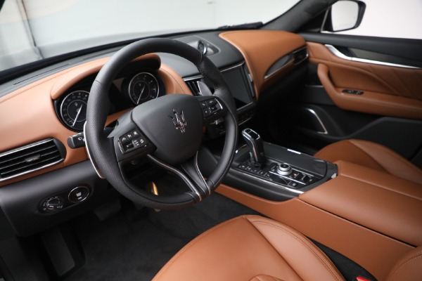 New 2022 Maserati Levante Modena for sale $104,545 at Maserati of Greenwich in Greenwich CT 06830 13