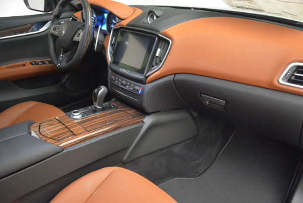Used 2017 Maserati Ghibli S Q4  EX-LOANER for sale Sold at Maserati of Greenwich in Greenwich CT 06830 19