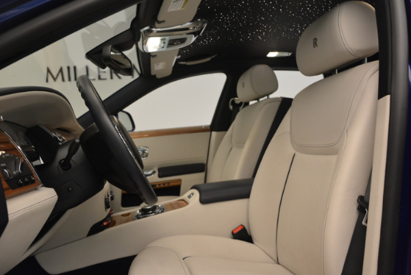 Used 2016 ROLLS-ROYCE GHOST SERIES II for sale Sold at Maserati of Greenwich in Greenwich CT 06830 21